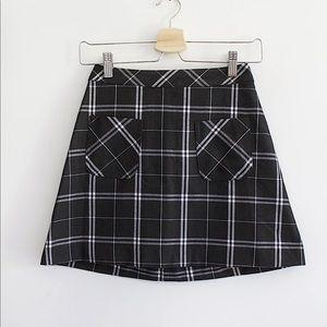 3/20💫 H&M | B&W checkered mini skirt